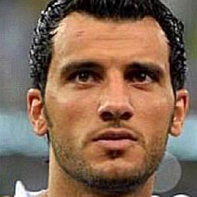 Omar Al Somah facts
