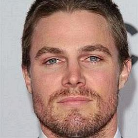 Stephen Amell facts