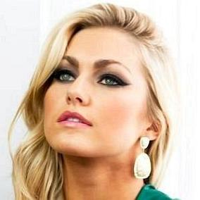 Lindsay Arnold facts