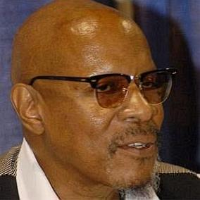 Avery Brooks facts