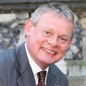 Martin Clunes facts