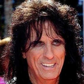facts on Alice Cooper
