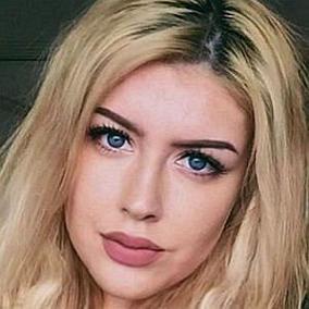 Taylor Nicole Dean facts