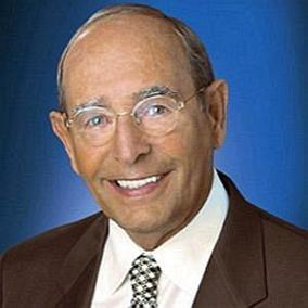 facts on Richard Devos