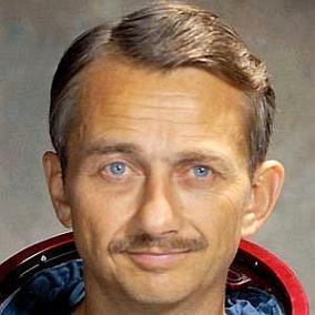 facts on Owen Garriott
