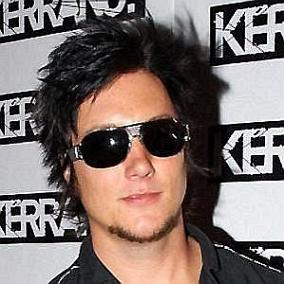Synyster Gates facts