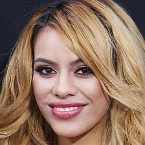 Dinah Jane Hansen facts