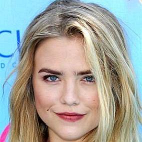Maddie Hasson facts