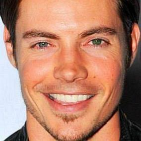 facts on Josh Henderson