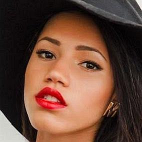 Vick Hope facts