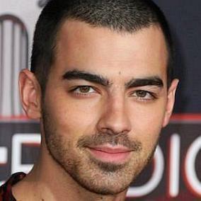 Joe Jonas facts