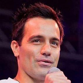 Ramin Karimloo facts