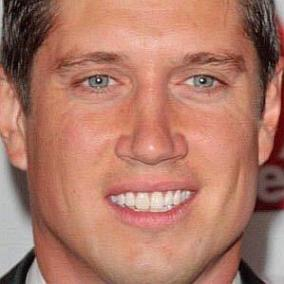 Vernon Kay facts