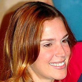Vanessa Lóes facts