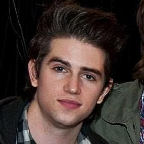 Cameron Leahy facts