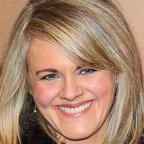 Sally Lindsay facts