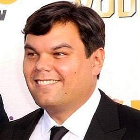 Robert Lopez facts