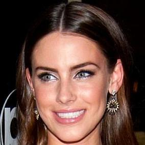 Jessica Lowndes facts