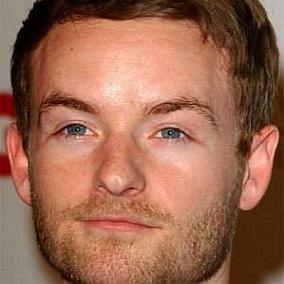 Christopher Masterson facts