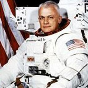 facts on Bruce McCandless II