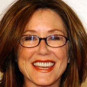 Mary McDonnell facts
