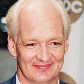 Colin Mochrie facts