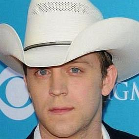 Justin Moore facts