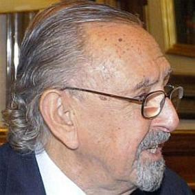 facts on Cesar Pelli