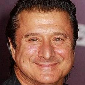 Steve Perry facts