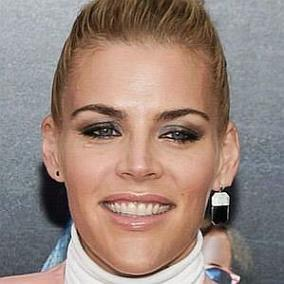 Busy Philipps facts