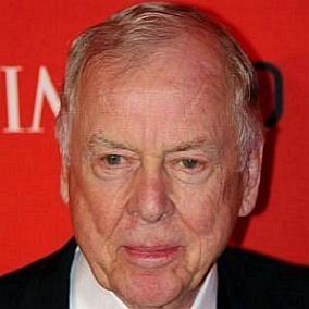 facts on T Boone Pickens
