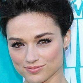 facts on Crystal Reed