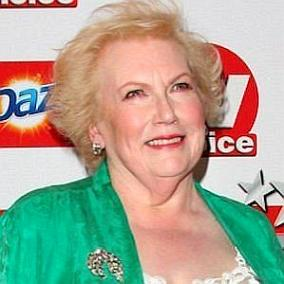 facts on Denise Robertson