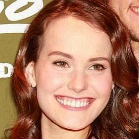 Mary Kate Robertson facts