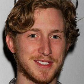 Asher Roth facts