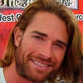 Sebastian Rulli facts