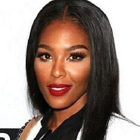 Moniece Slaughter facts