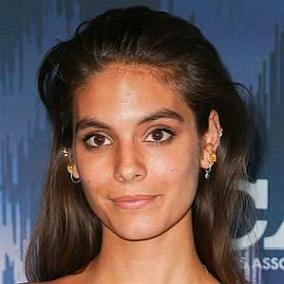 Caitlin Stasey facts