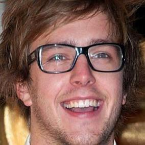 Iain Stirling facts