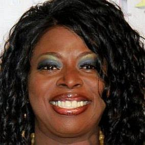 Angie Stone facts