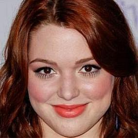 facts on Jennifer Stone