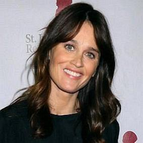 Robin Tunney facts