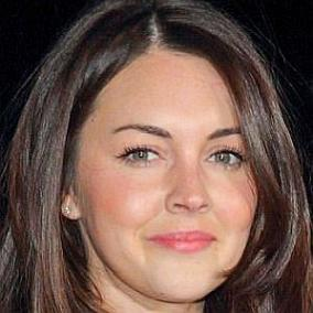 Lacey Turner facts