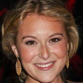 Alexa PenaVega facts