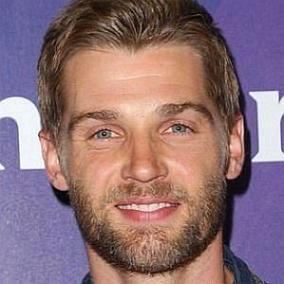 Mike Vogel facts