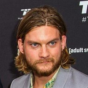 facts on Jake Weary