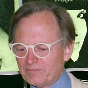 facts on Tom Wolfe